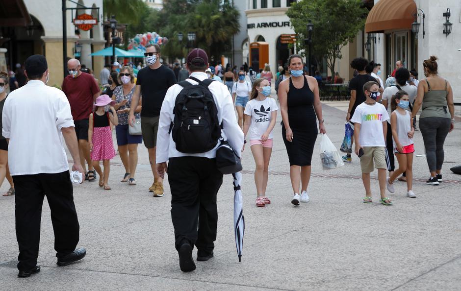 California shuts down businesses, schools as coronavirus outbreak grows